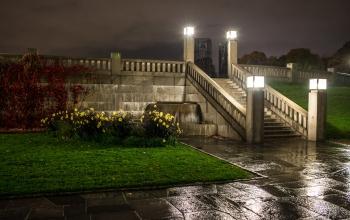 Lit stairs at Vigeland-9688