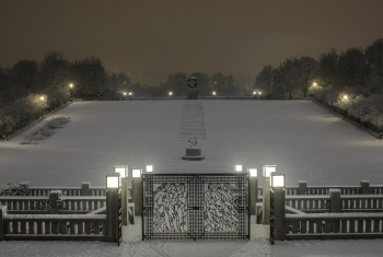Vigeland north side at winter night-1448
